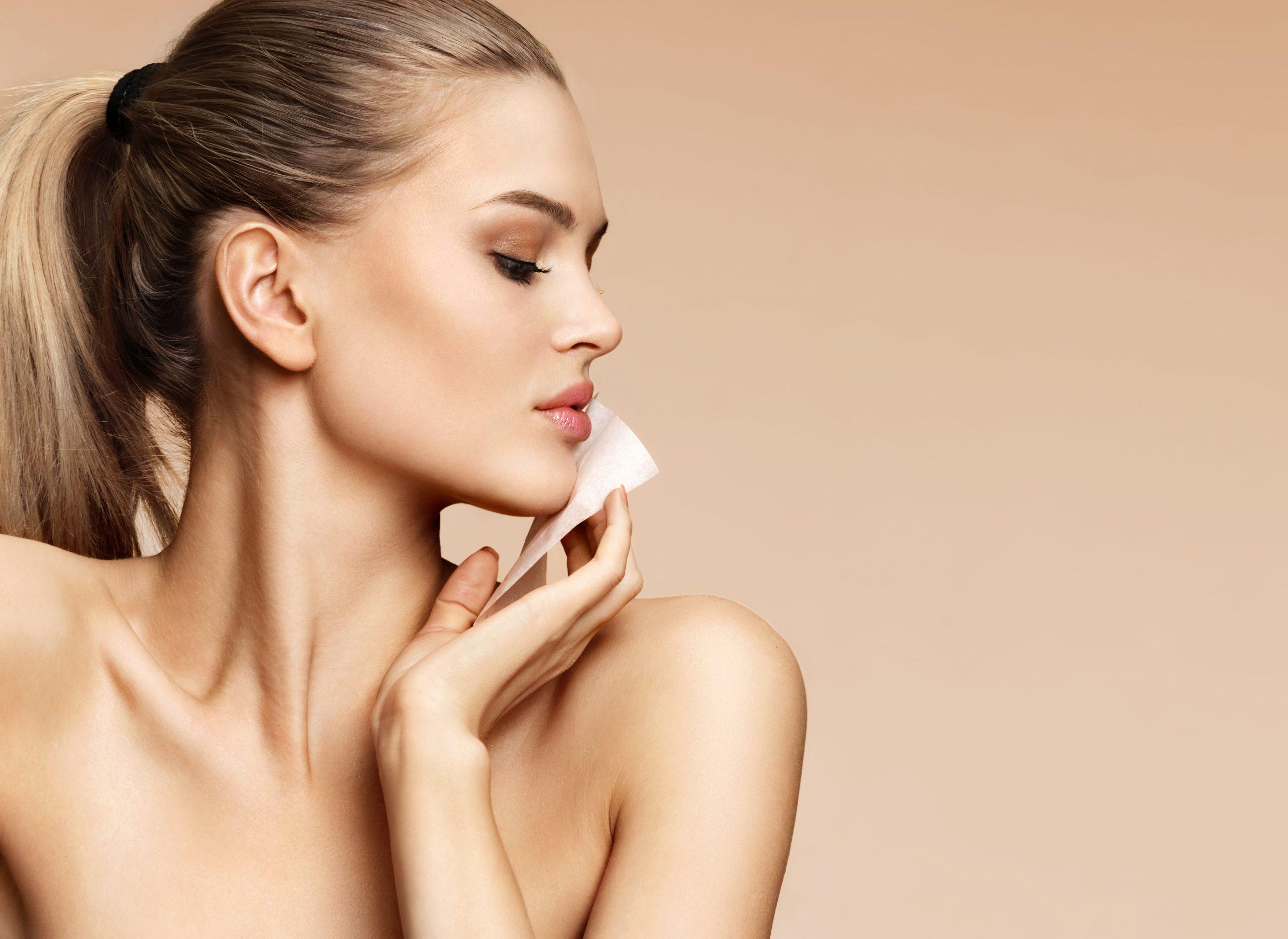 Trwały makijaż dla cery tłustej? To możliwe