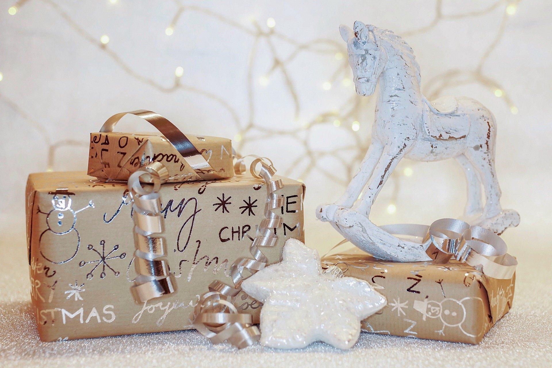 Poznaj skuteczne sposoby pakowania prezentów!