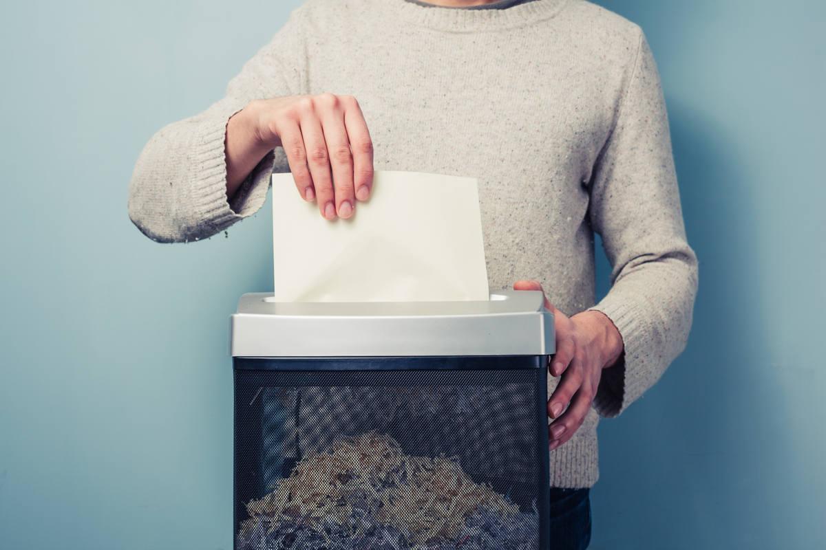Na co zwrócić uwagę, wybierając niszczarkę dla małej firmy?