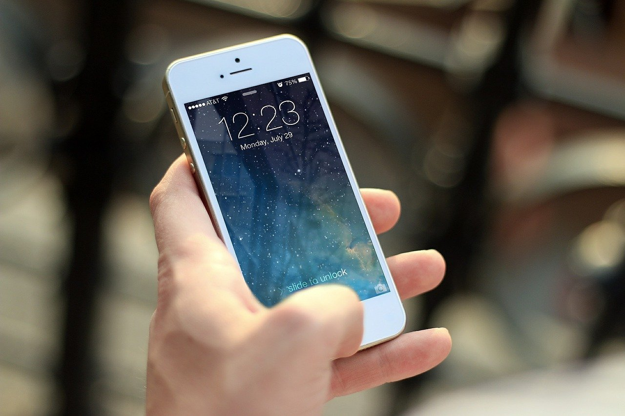 Dlaczego zakup smartfona powinien się opierać o rozbudowany research i badanie potrzeb?