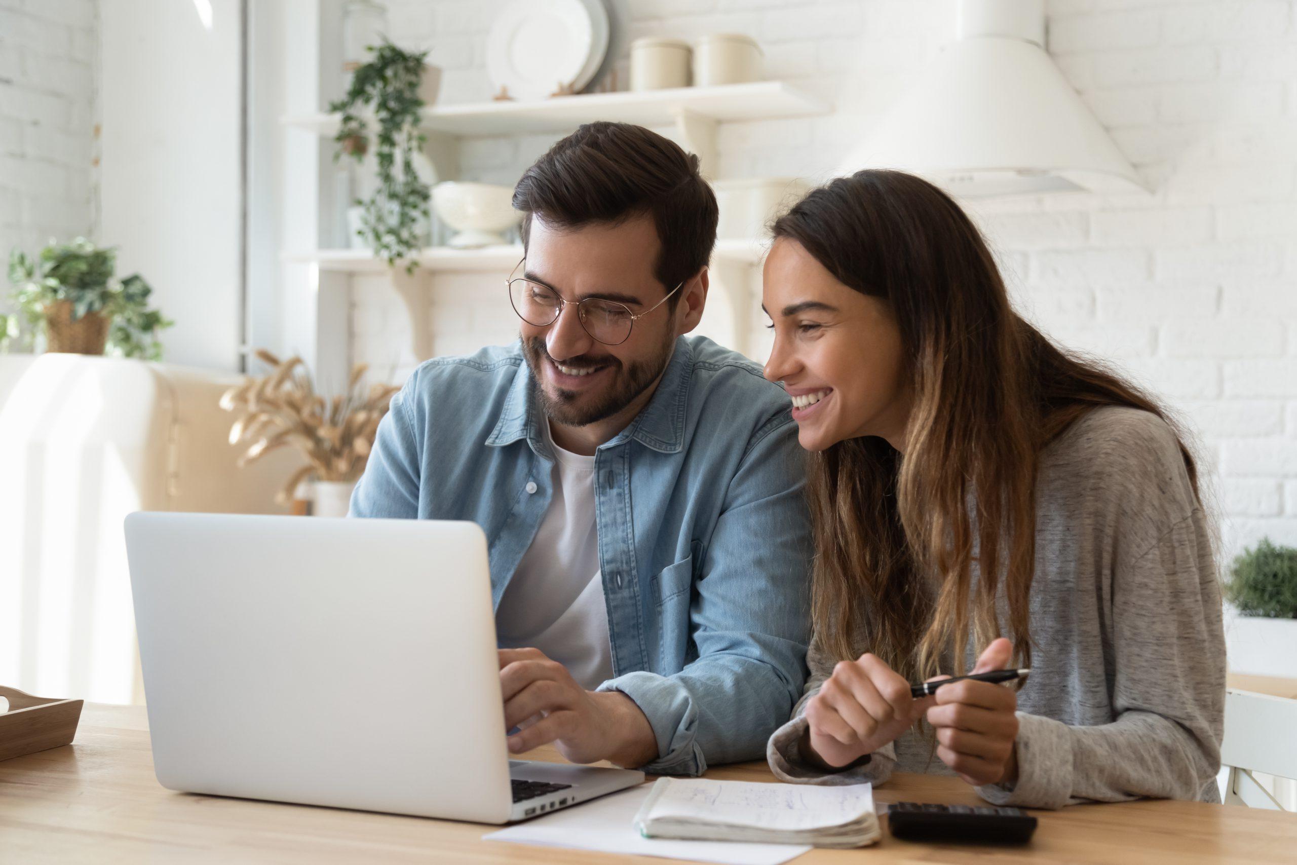 Kredyt online — jak założyć i na co zwrócić uwagę przy wyborze?