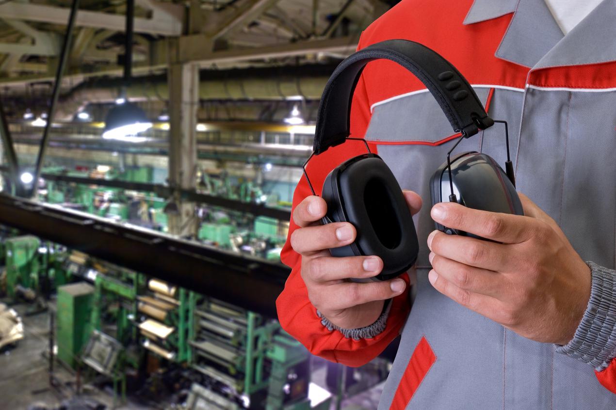 Jakie są zdrowotne skutki oddziaływania hałasu na pracowników?