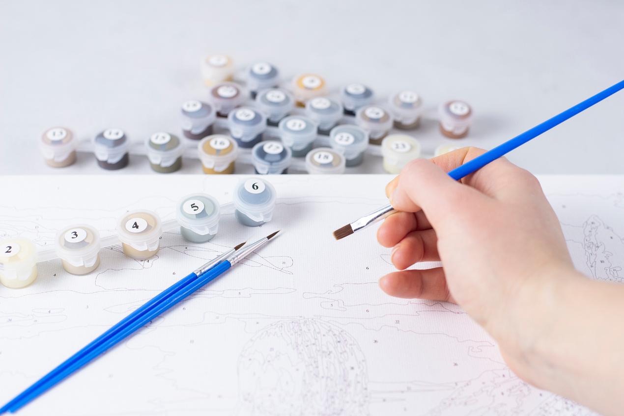 Malowanie po numerach jako wspólne zajęcie dla dzieci i rodziców